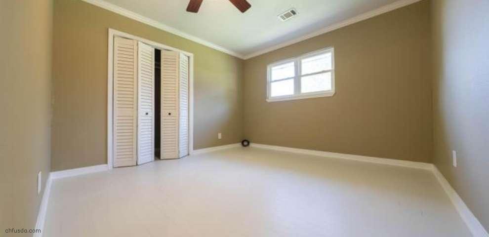 233 Richs Rd, Defuniak Springs, FL 32433