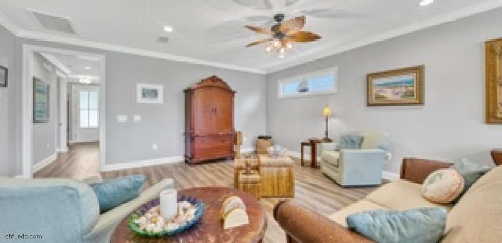 195 Oaktree Blvd, Freeport, FL 32439