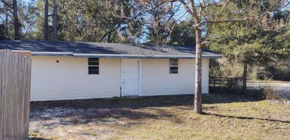 209 Pine St, Freeport, FL 32439