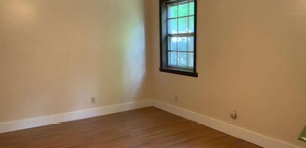 110 Columbia Ln, Crestview, FL 32536 - Property Images