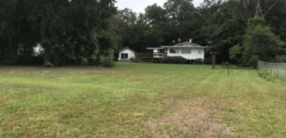 140 Morris Lake Dr, Hawthorne, FL 32640