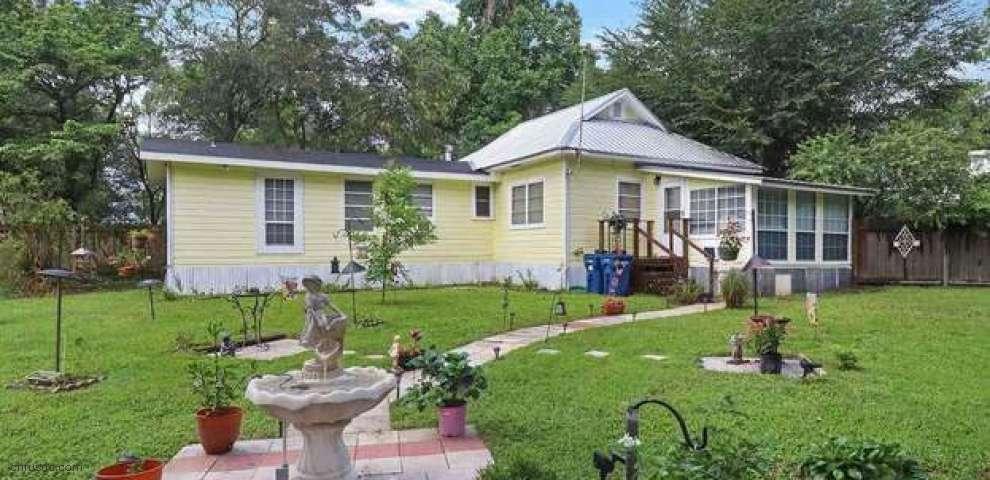110 SW 255th St, Newberry, FL 32669