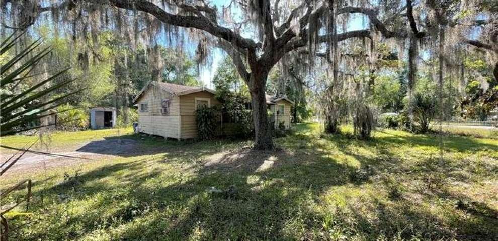 207 Florida Ave, Osteen, FL 32764