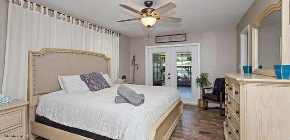 13309 Country Club Dr, Tavares, FL 32778