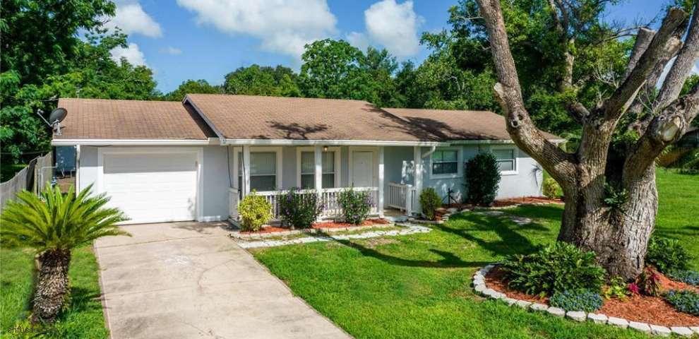 27829 Lois Dr, Tavares, FL 32778