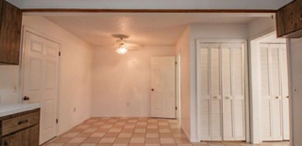 8215 95th Ave, Vero Beach, FL 32967 - Property Images