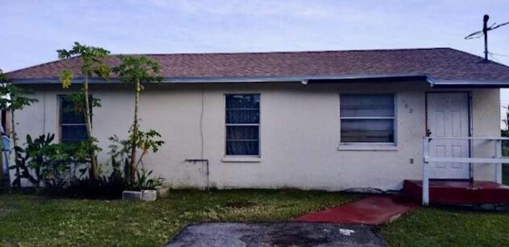 162 Booker Pl, Pahokee, FL 33476