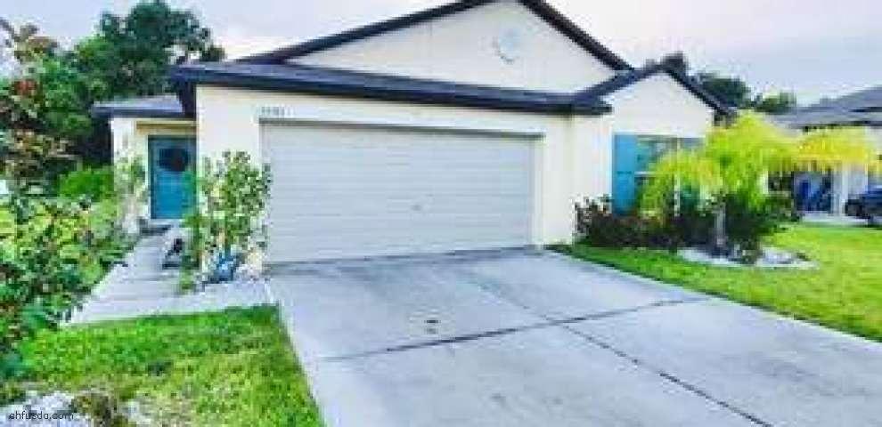 2987 Moulden Hollow Dr, Zephyrhills, FL 33540