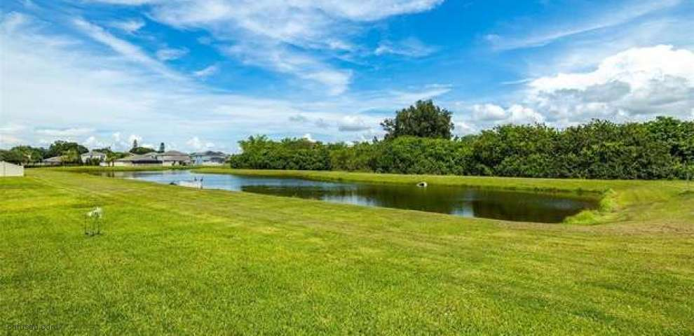 2214 4th St, Ruskin, FL 33570 - Property Images