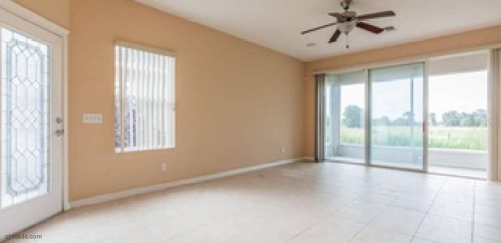 7526 Surrey Pines Dr, Apollo Beach, FL 33572