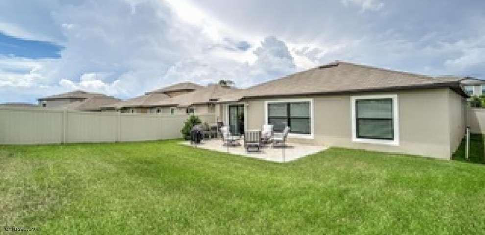9724 Sage Creek Dr, Ruskin, FL 33573