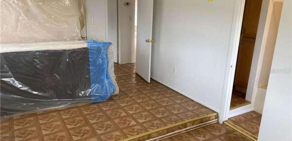 11824 Weaver Ln, Thonotosassa, FL 33592