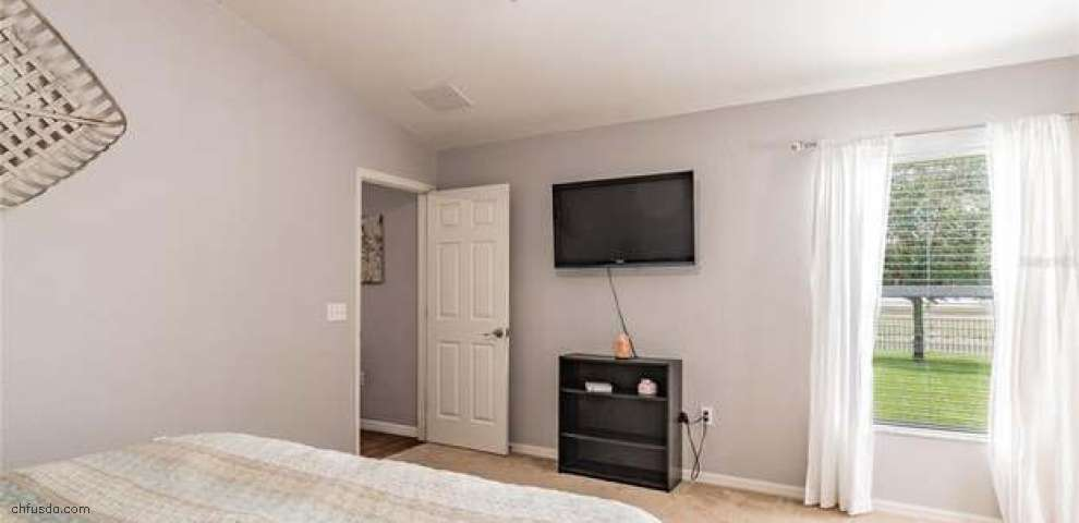 10546 Carloway Hills Dr, Wimauma, FL 33598