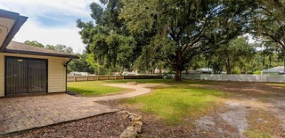 1543 W Socrum Loop Rd, Lakeland, FL 33810