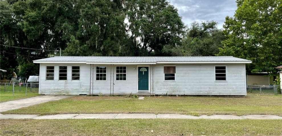 806 6th St NE, Fort Meade, FL 33841
