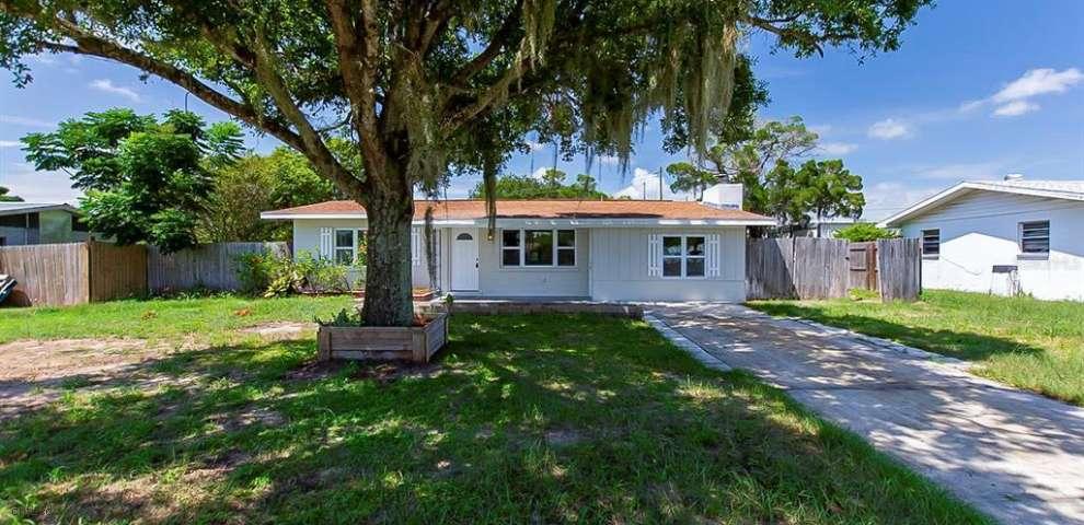 313 Woodham Ave, Frostproof, FL 33843