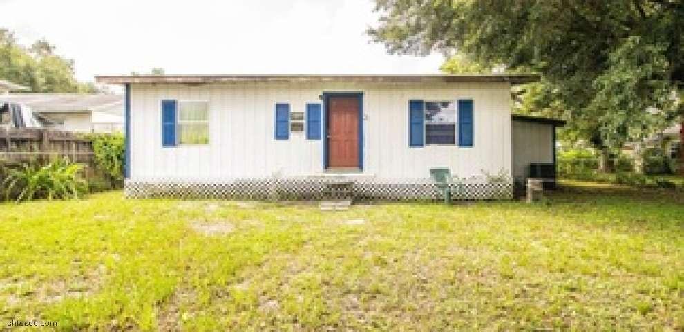 734 4th St, Polk City, FL 33868
