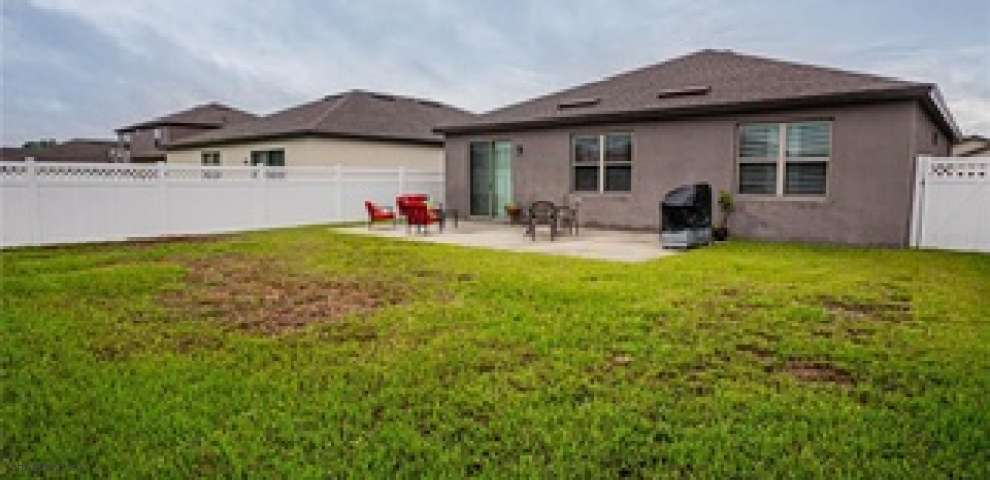 8855 Sunapee Loop, Polk City, FL 33868
