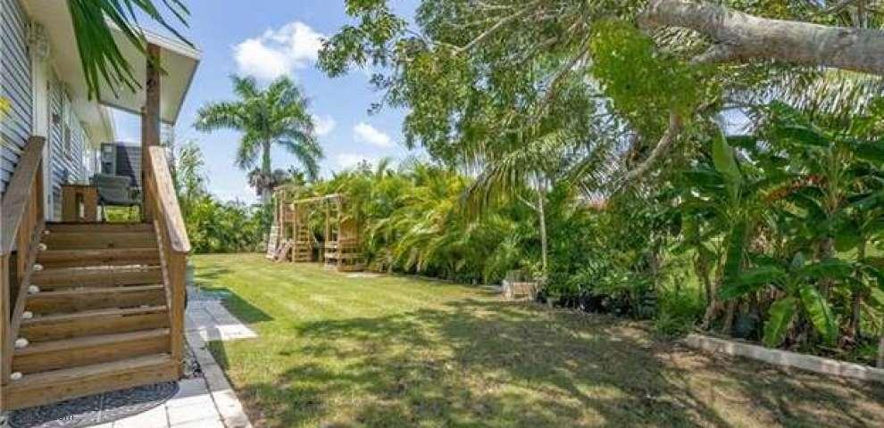 201 Datura St E, Everglades City, FL 34139