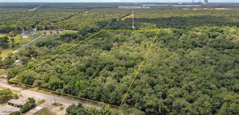 14801 W River Rd, Inglis, FL 34449