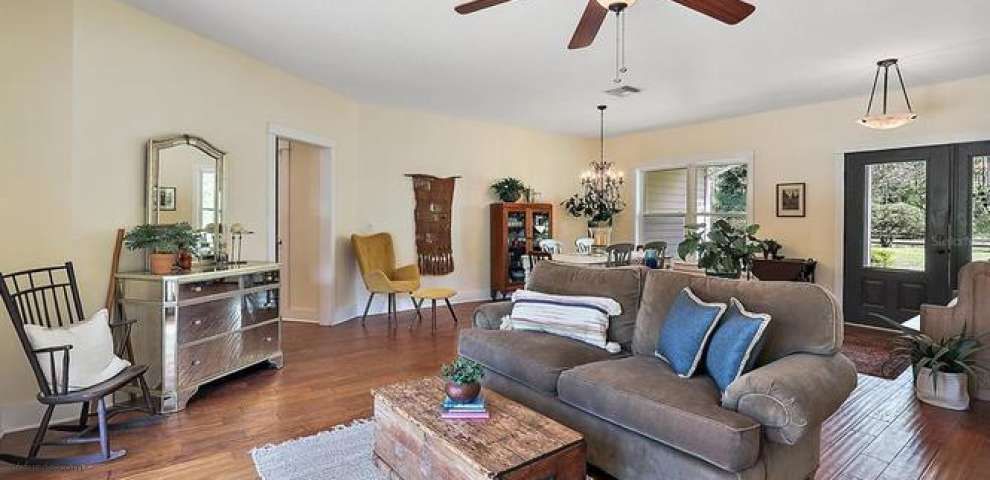 10042 E Dewey Robbins Rd, Howey In The Hills, FL 34737 - Property Images