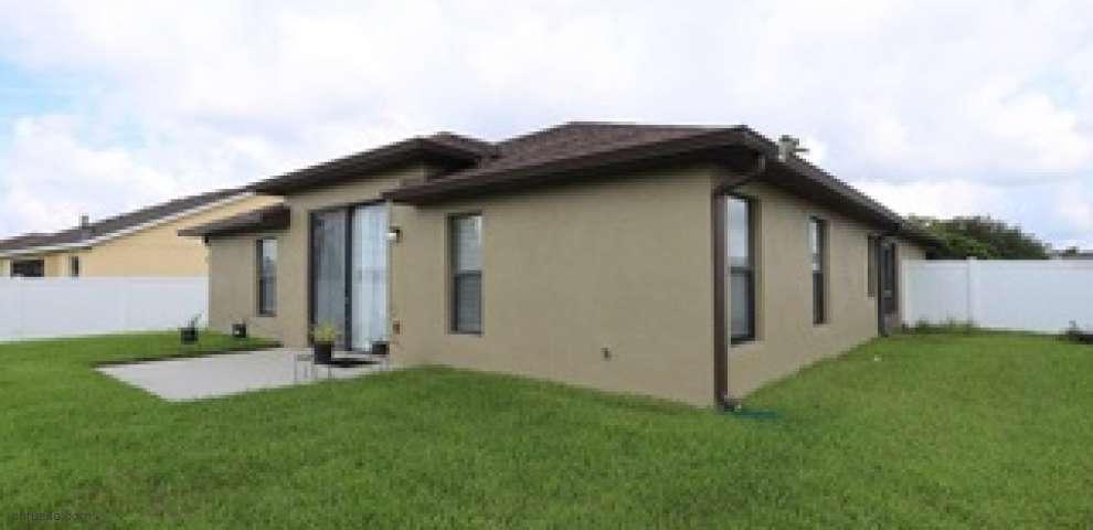 2704 Eagle Cliff Dr, Kissimmee, FL 34746