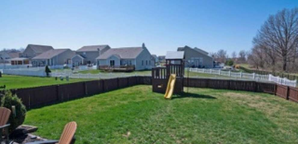 589 Cedar Run Dr, Blacklick, OH 43004