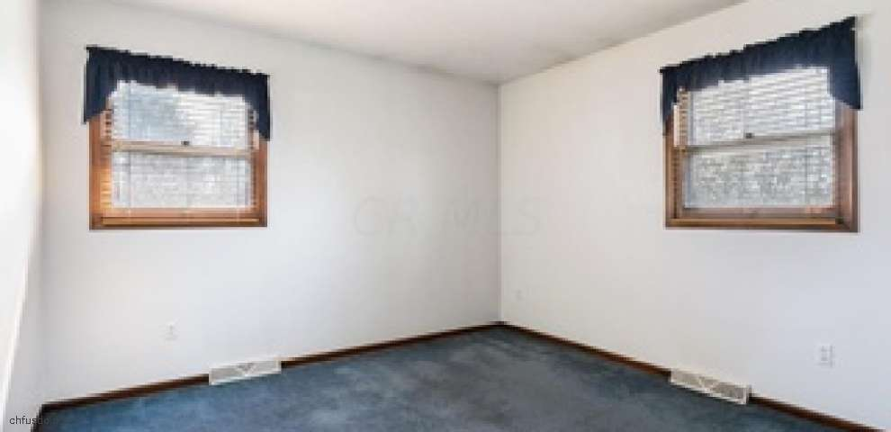 15205 Olive Green Rd, Centerburg, OH 43011