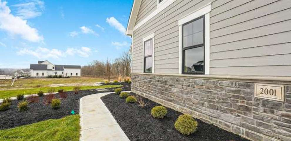 2001 Liberty Bluff Dr, Delaware, OH 43015 - Property Images