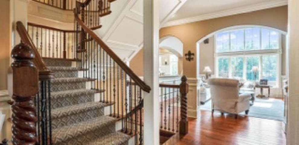 134 Stone Valley Dr, Granville, OH 43023