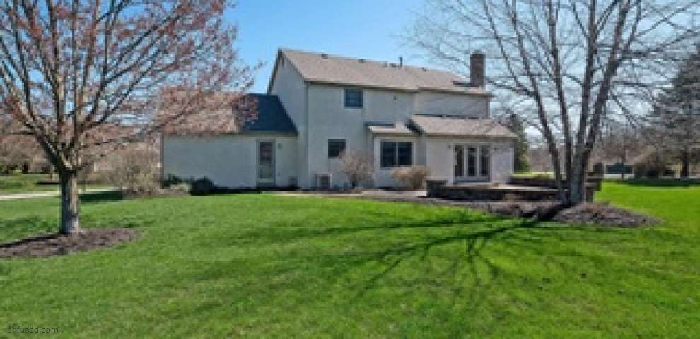 5565 Willow Springs Dr, Lewis Center, OH 43035