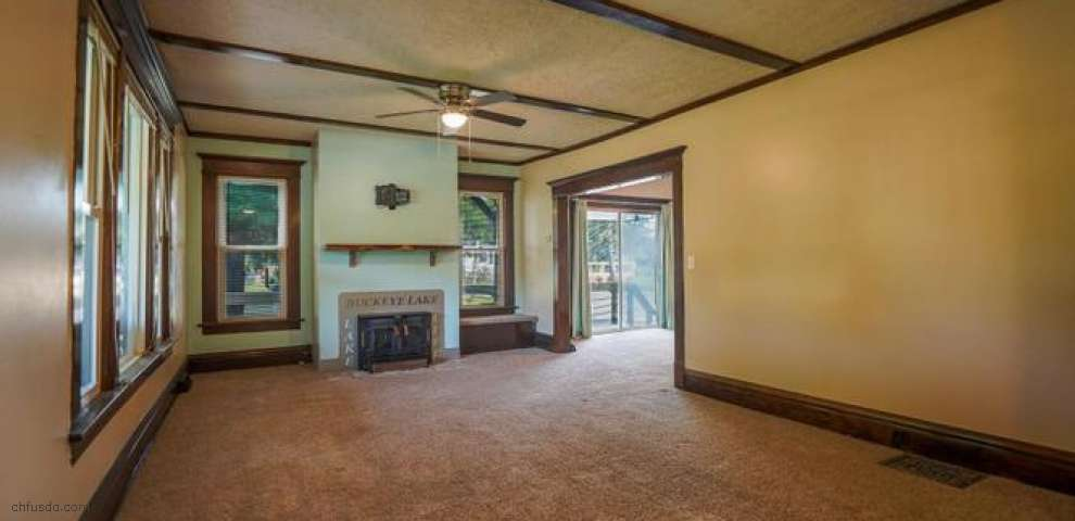 2725 Canal Dr, Millersport, OH 43046