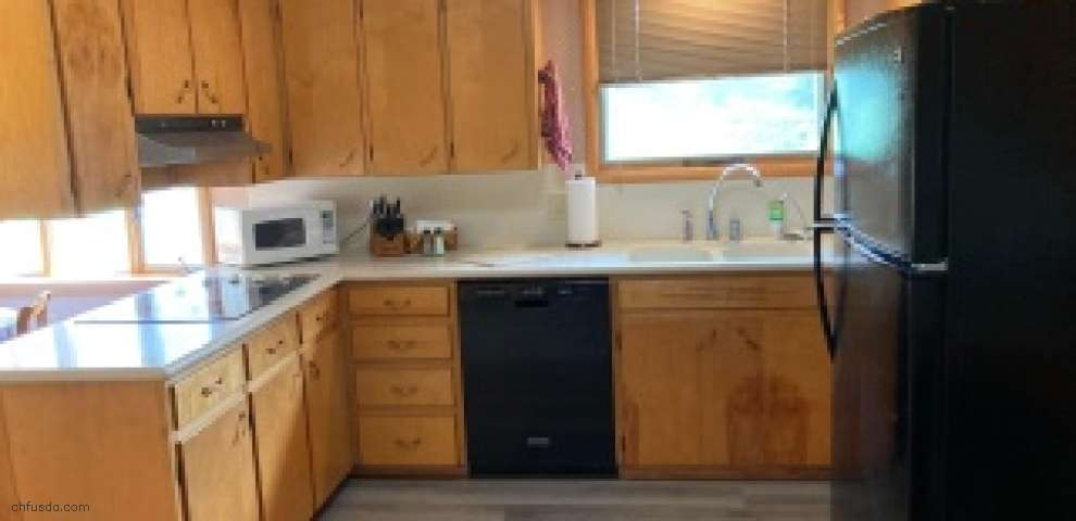 1142 Licking Valley Rd, Newark, OH 43055
