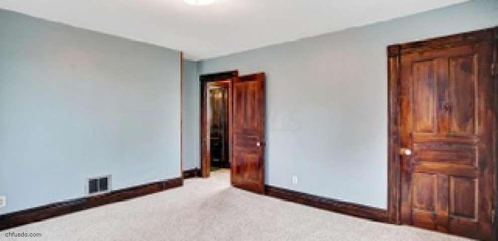 415 S 2nd St, Newark, OH 43055