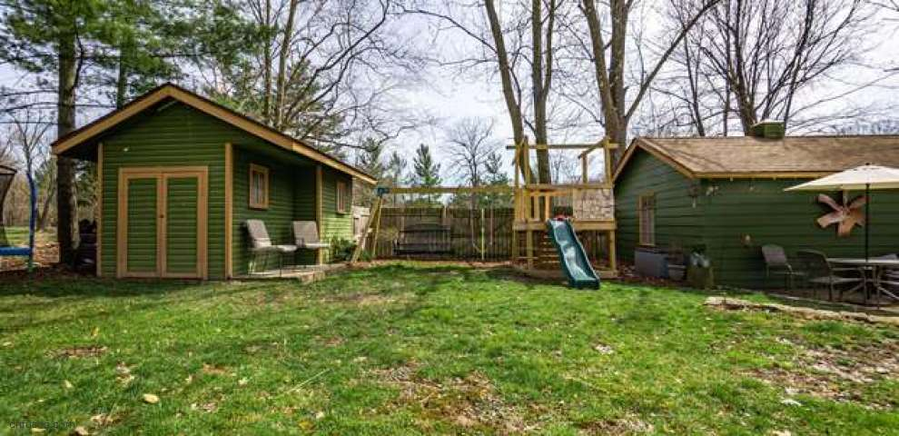 7328 Cook Rd, Powell, OH 43065
