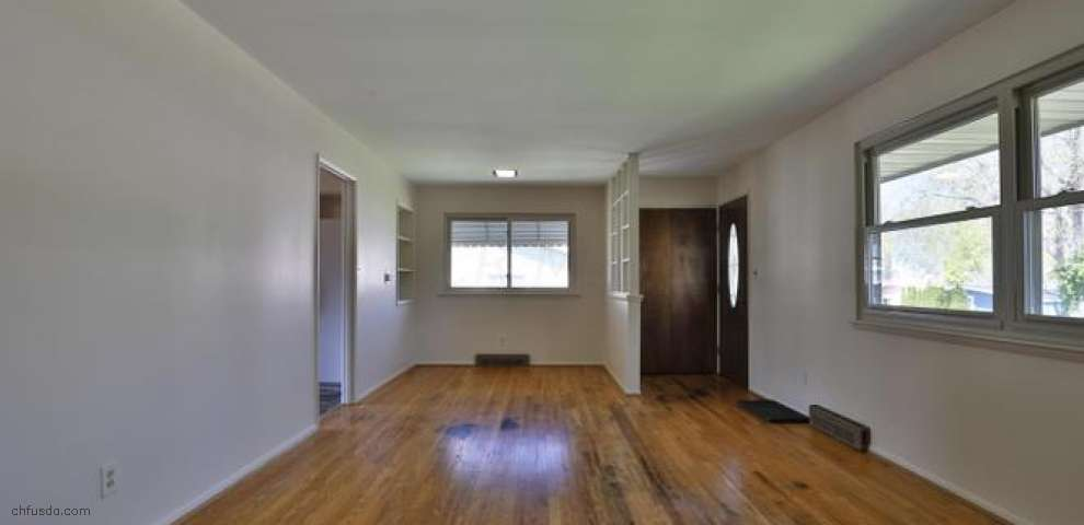 225 E Clearview Ave, Worthington, OH 43085