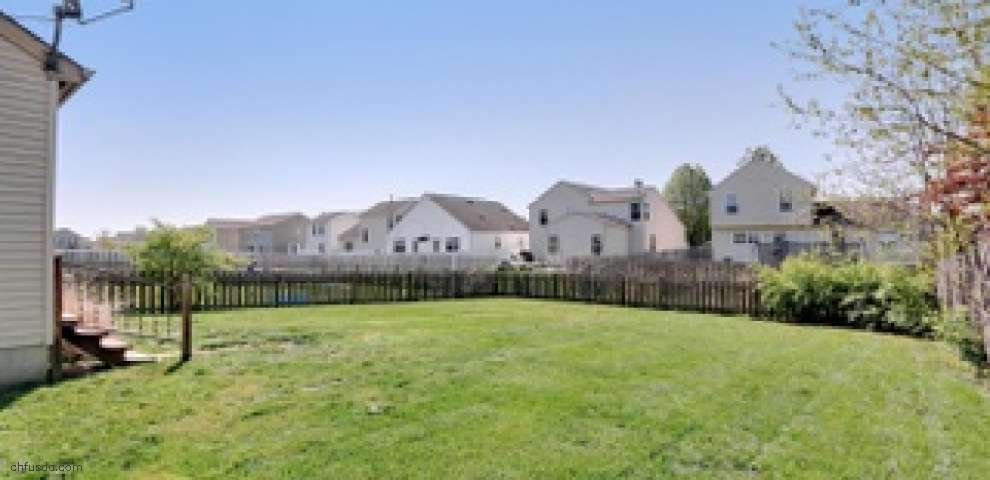 7183 Emerald Tree Dr, Canal Winchester, OH 43110