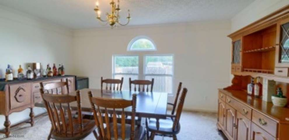 211 Cavanaugh Dr, Commercial Point, OH 43116