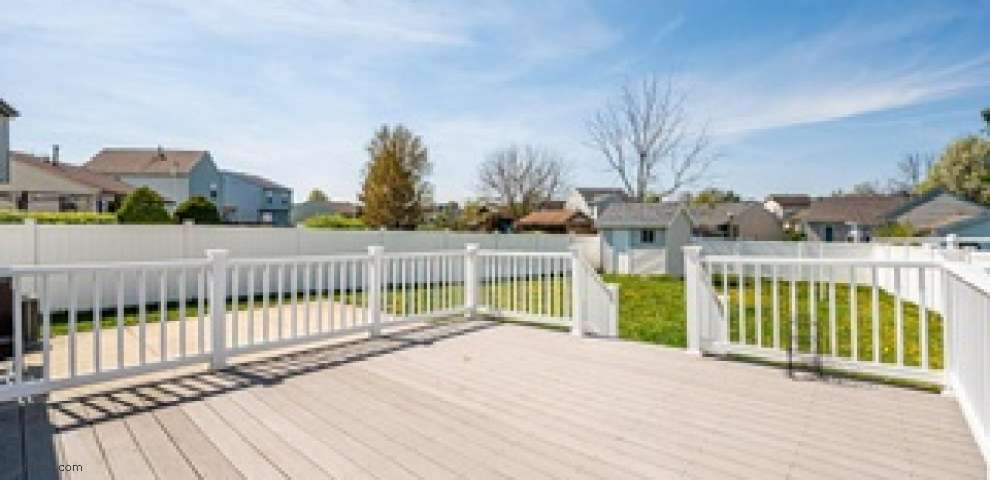 2264 Breeze Hill Dr, Grove City, OH 43123