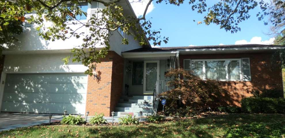 1034 Kenley Ave, Columbus, OH 43220