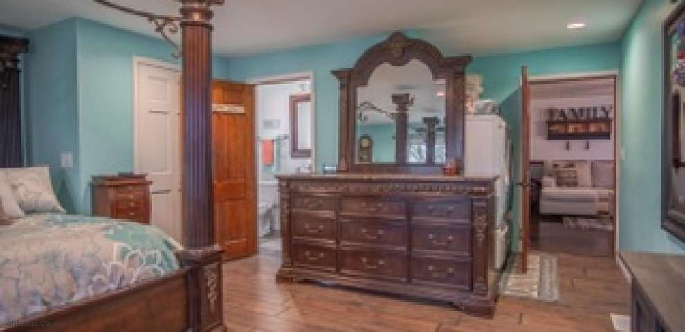 5934 Market St, Mount Gilead, OH 43338