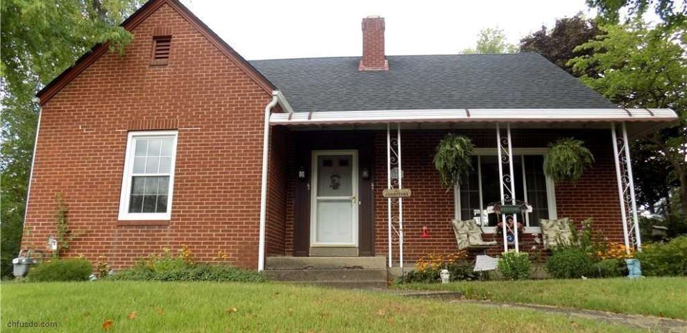 1230 Denman Ave, Coshocton, OH 43812