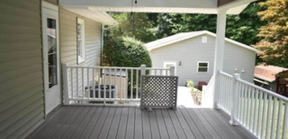 1487 Windermere Ln, Coshocton, OH 43812