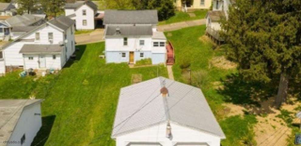 1519 Arthur Ave, Coshocton, OH 43812