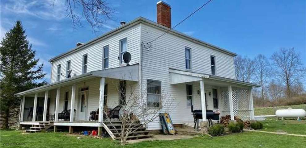 19055 County Road 6, Coshocton, OH 43812