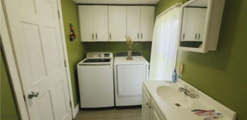 16607 State Route 60 S, Dresden, OH 43821