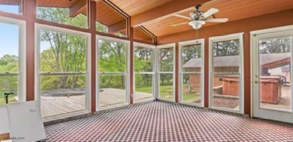 1211 Dairy Ln, East Liverpool, OH 43920 - Property Images