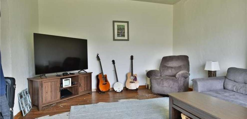 1574 Etruria St, East Liverpool, OH 43920 - Property Images
