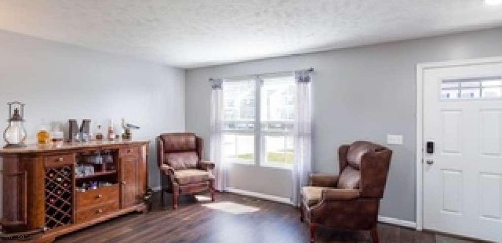109 Lakeview Cir, Amherst, OH 44001 - Property Images