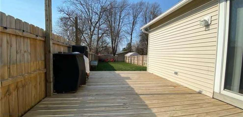 243 Cleveland Ave, Amherst, OH 44001